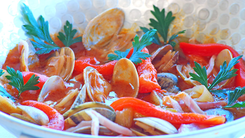 Clams in Cataplana